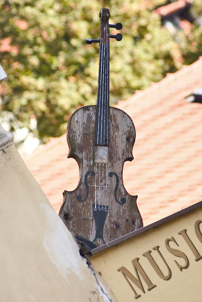 Fiddle on the roof