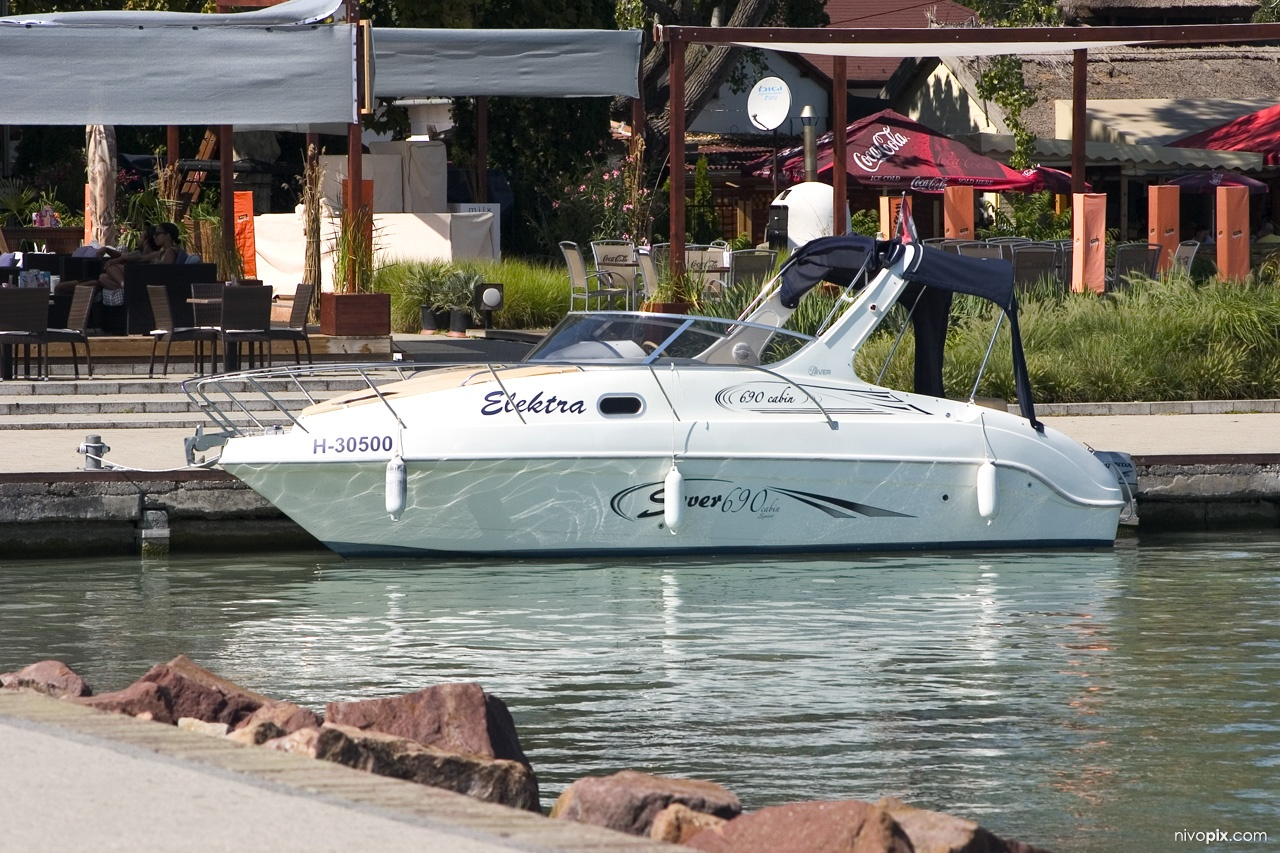 Electric yacht at Révfülöp pier