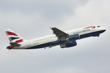 British Airways Airbus A320 taking off from Ferihegy RWY31L